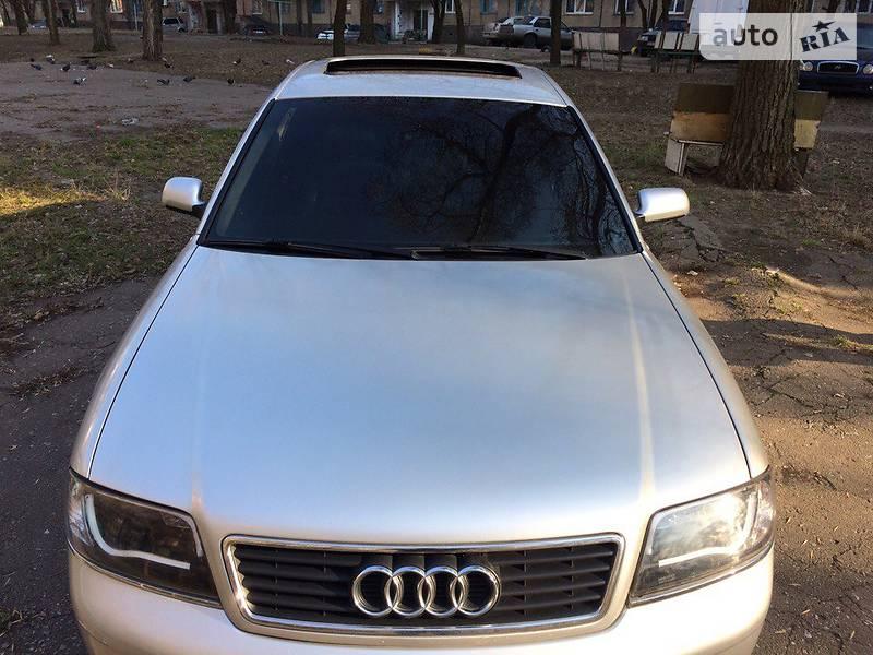 Audi A6 2000 року