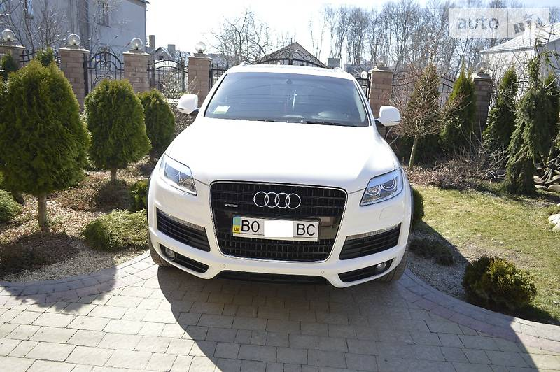 Audi Q7 2009 года