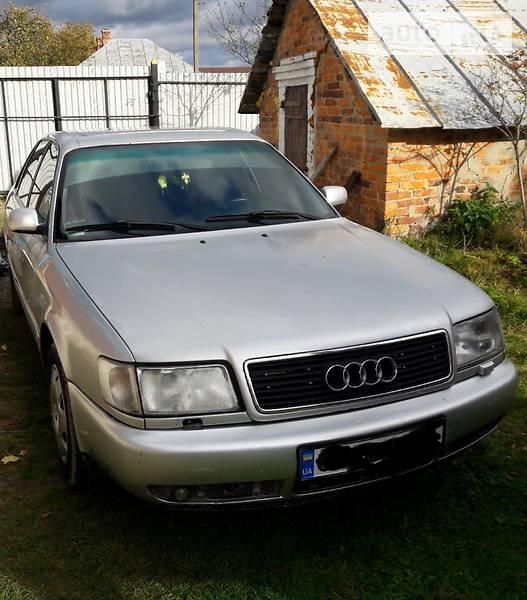 Audi S6 1992 року