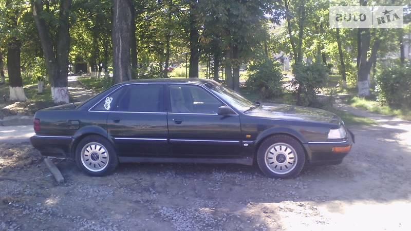 Audi V8 1993 года
