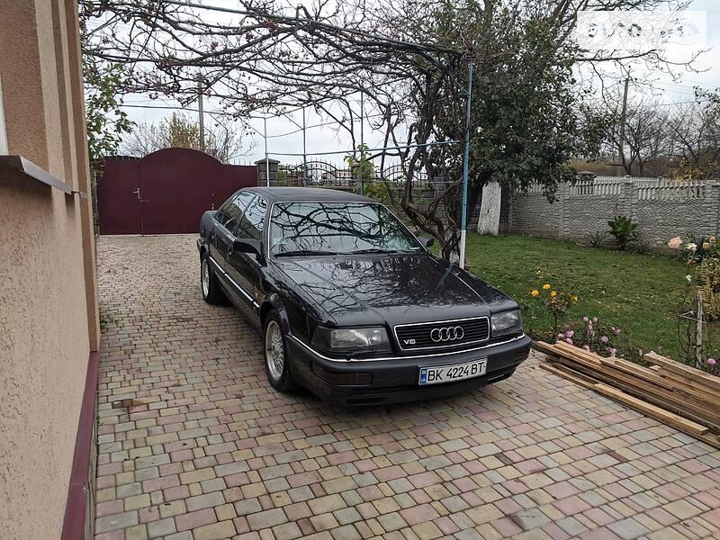 Audi V8