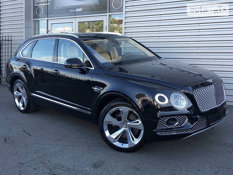 Bentley Bentayga 2017 року