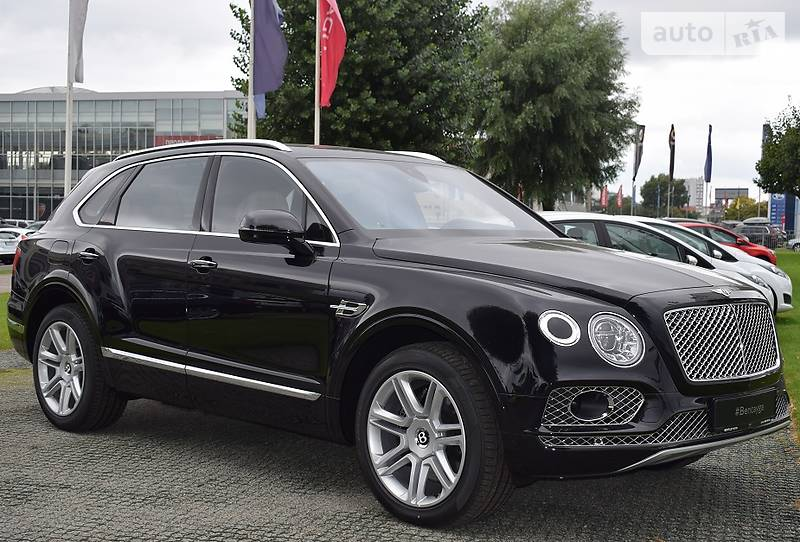 Bentley Bentayga 2016 года