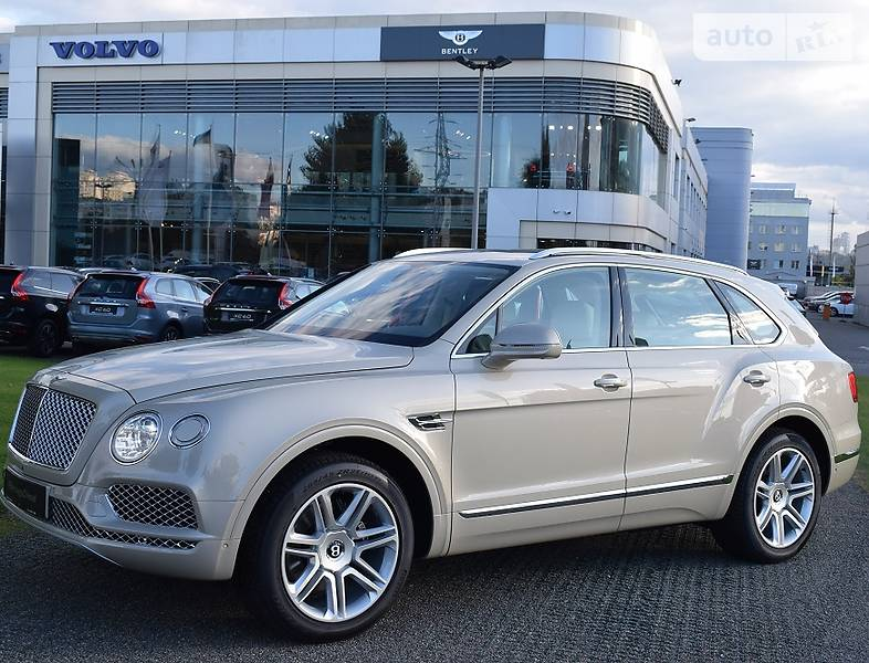 Bentley Bentayga 2017 года