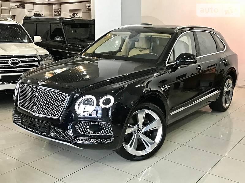 Bentley Bentayga 2017 року