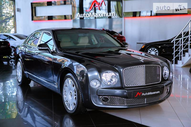 Bentley Mulsanne 2011 року