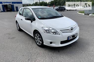 Цены Toyota Auris Бензин