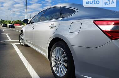 Ціни Toyota Avalon Бензин