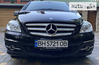 Ціни Mercedes-Benz B 180 Бензин