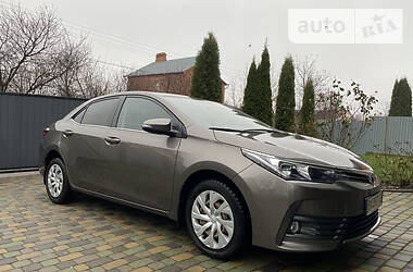 Цены Toyota Corolla Бензин