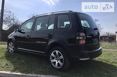 Цены Volkswagen Cross Touran Бензин