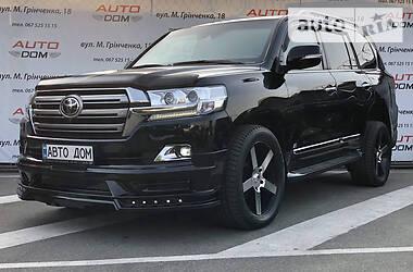Цены Toyota Land Cruiser 200 Бензин
