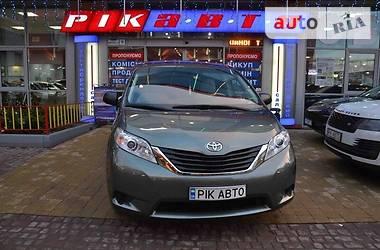 Цены Toyota Sienna Бензин