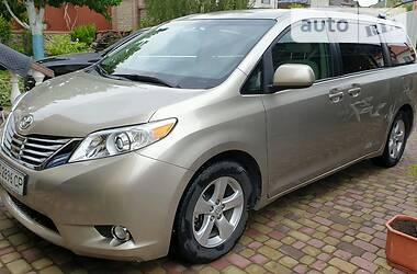 Ціни Toyota Sienna Бензин