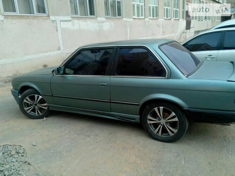 BMW 3 1984 года