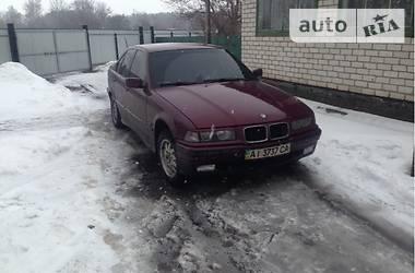 BMW 323  1995