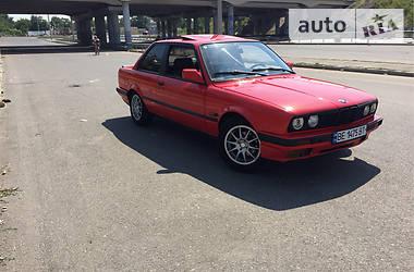 BMW 335  1990