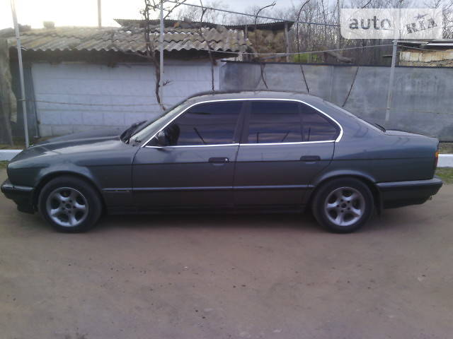 BMW 5 1990 года
