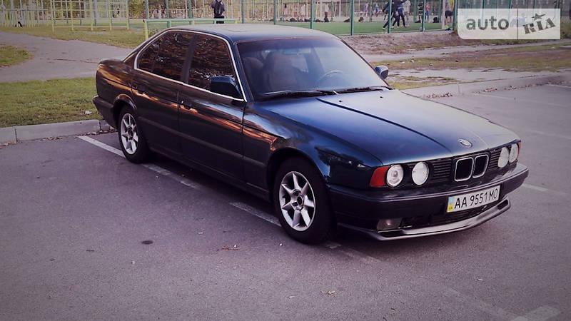 BMW 5 1990 року