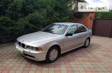 BMW 523  2002