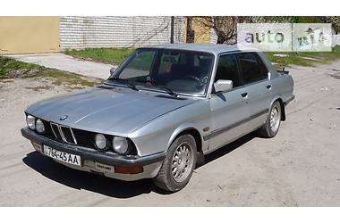 BMW 525   1986