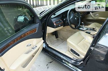 BMW 525  2009