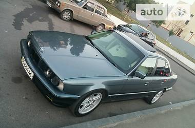 BMW 528  1989