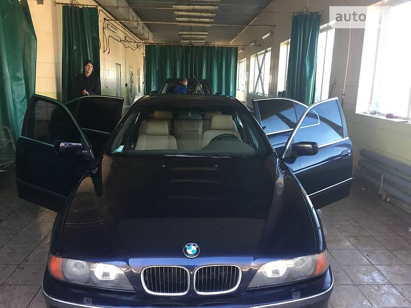 BMW 5 1998 года