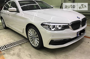 BMW 530 Luxury-full 2017