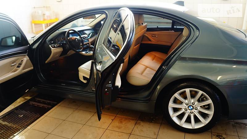 BMW 5 2011 года