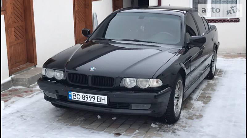 BMW 7 2000 року
