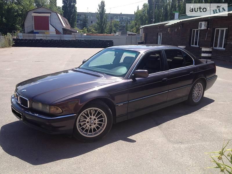 BMW 7 1996 года