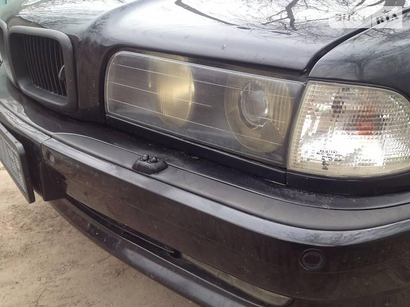 BMW 7 1998 року