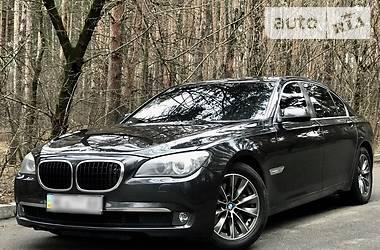 BMW 740  2010
