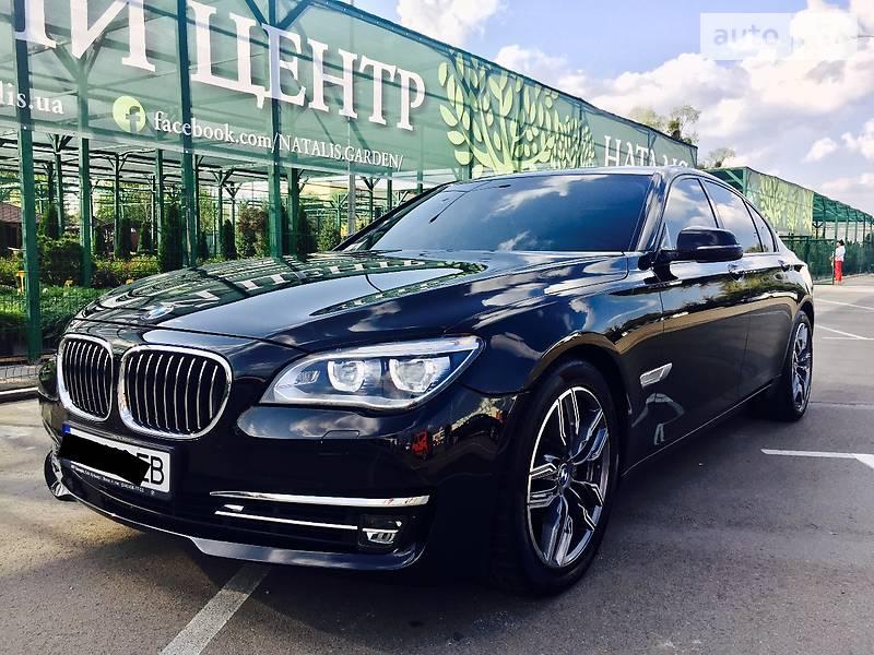 BMW 7 2010 року