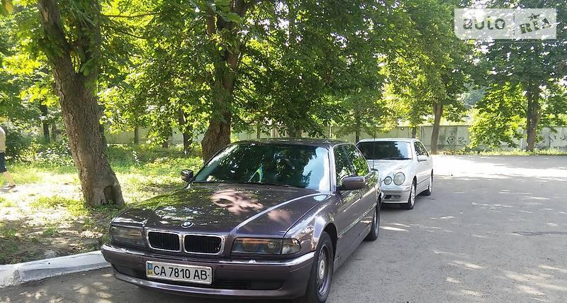BMW 7 1997 года