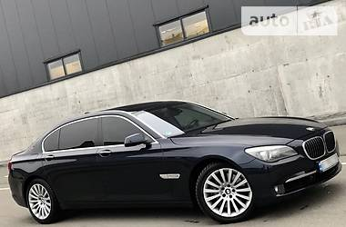 BMW 750 FULL 2010