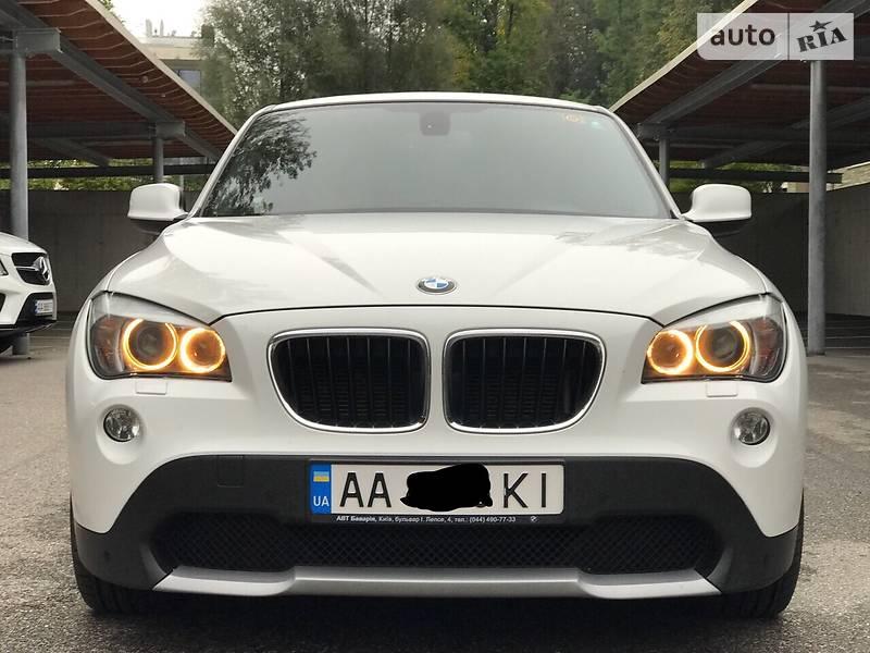BMW X1 2011 року
