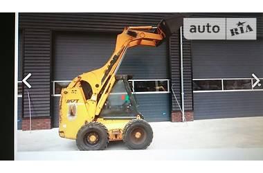 Bobcat S250 CASE 85XT 2005