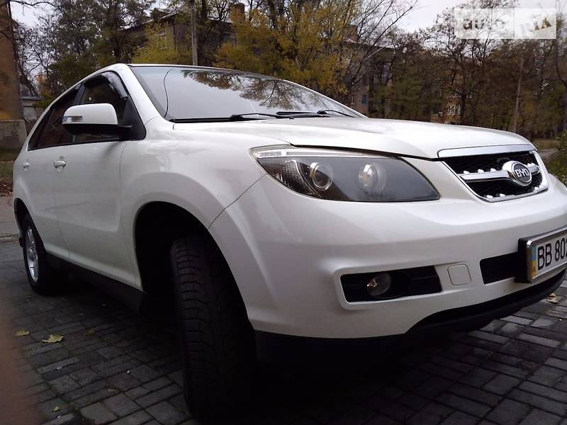 BYD S6 2012 года