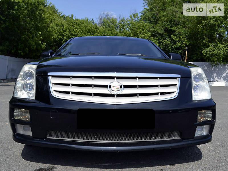 Cadillac STS 2005 року