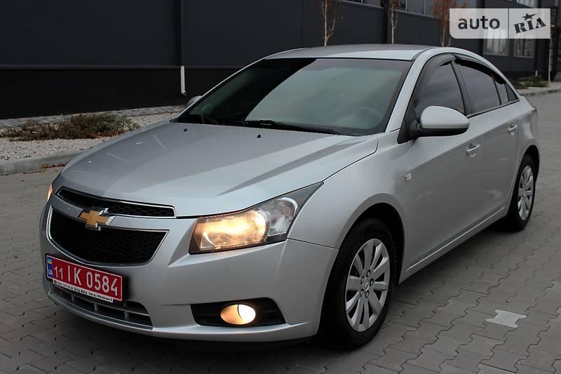 Chevrolet Cruze 2011 року