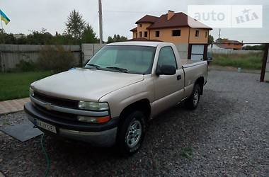 Chevrolet Silverado 5.3 L V8 1999