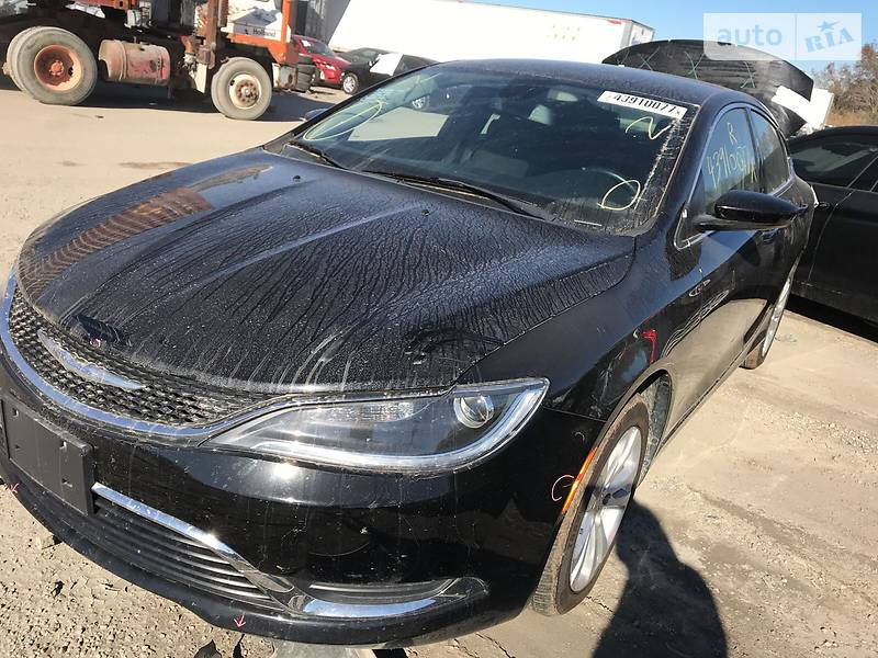 Chrysler 200 2015 года