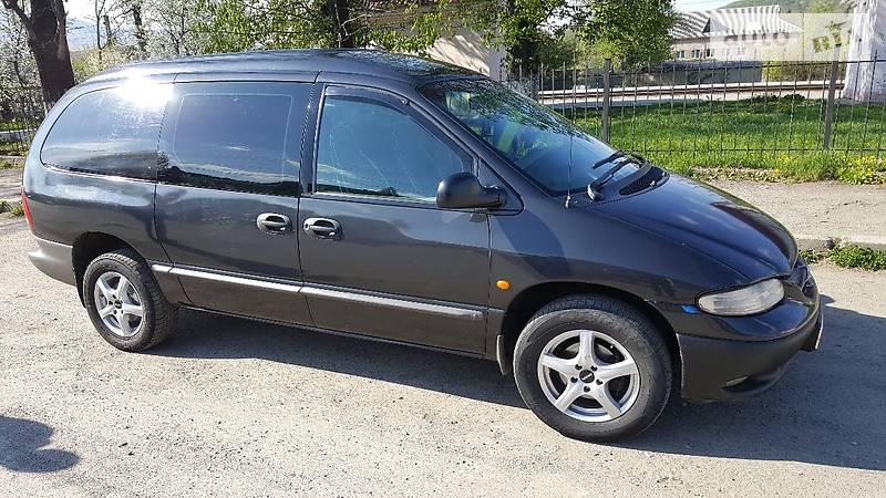 Chrysler Grand Voyager 2000 года