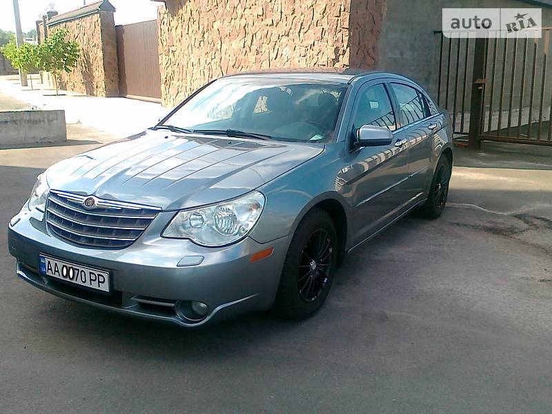Седан Chrysler Sebring