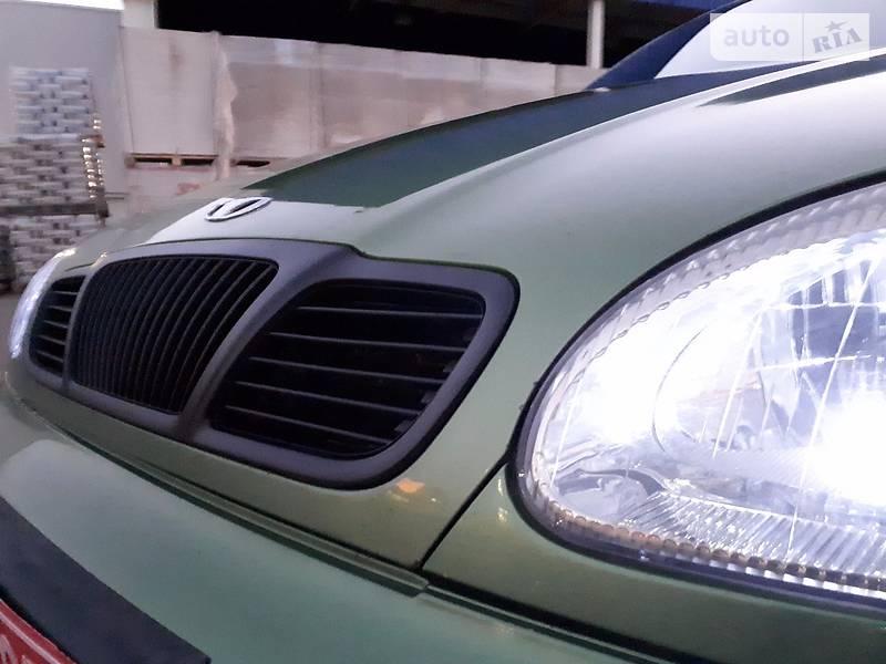 Daewoo Lanos 2003 року