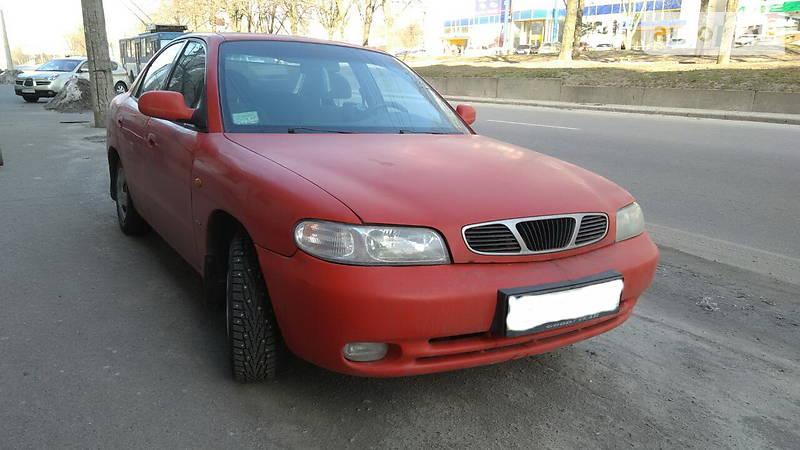 Daewoo Nubira 1998 року