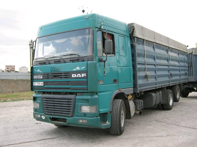 Зерновоз DAF XF 95