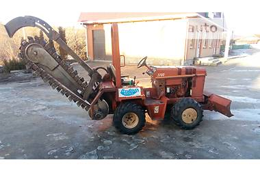 Ditch Witch 3700 DD 2000